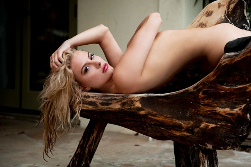 Moore  nackt Jacqueline Joanna Moore