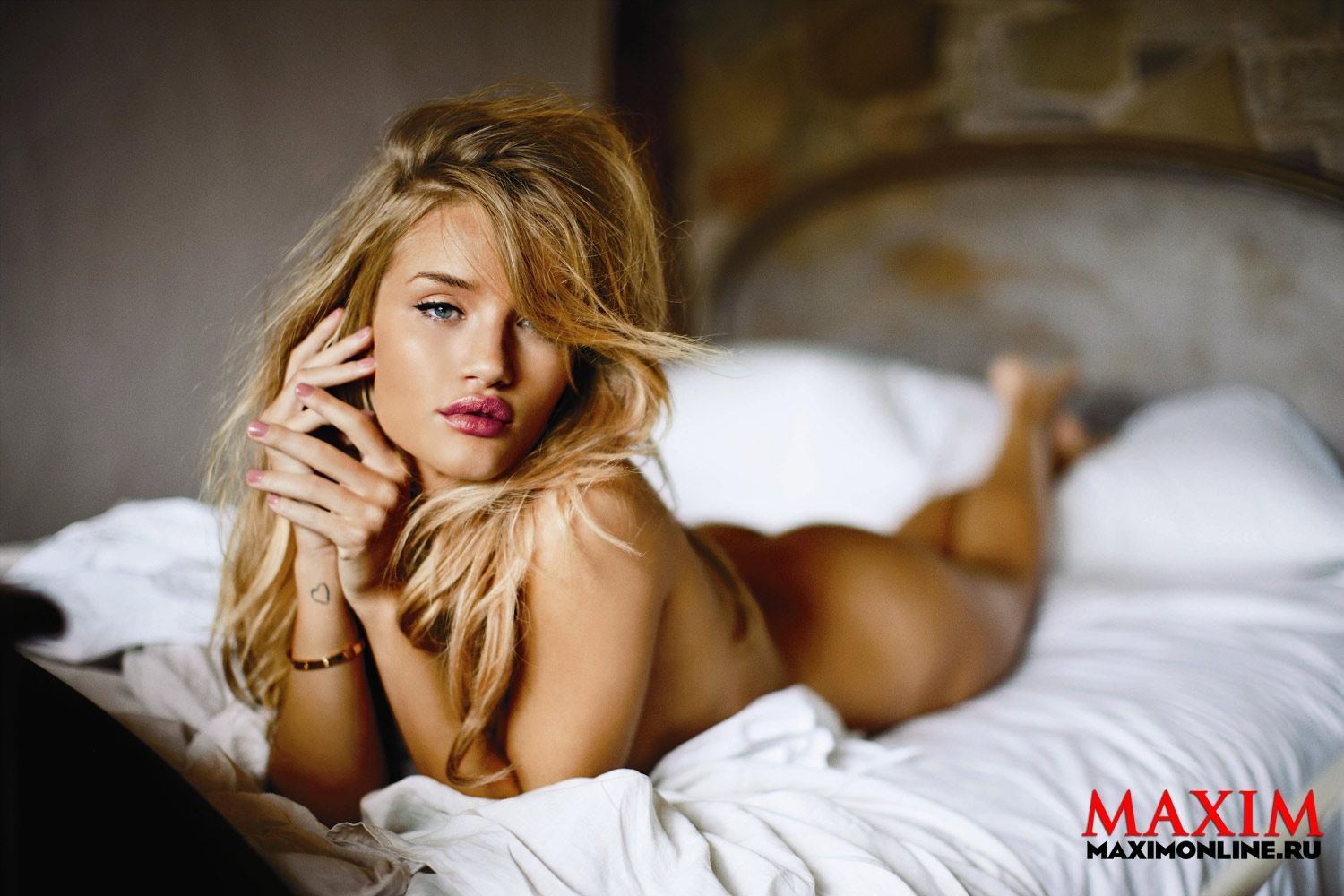 Young blonde girl Miss Brook undresses on her bed for nude poses  712214