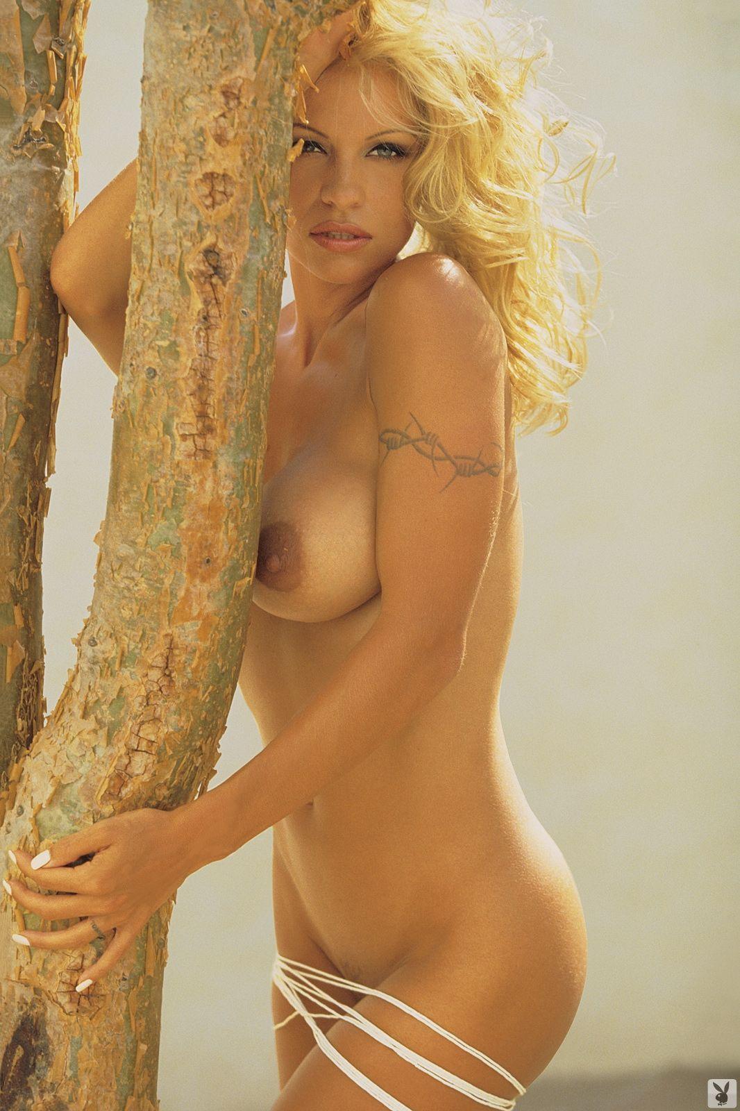 pamela-kelley-naked-sexy-tamil-wearing-skirt-fucked