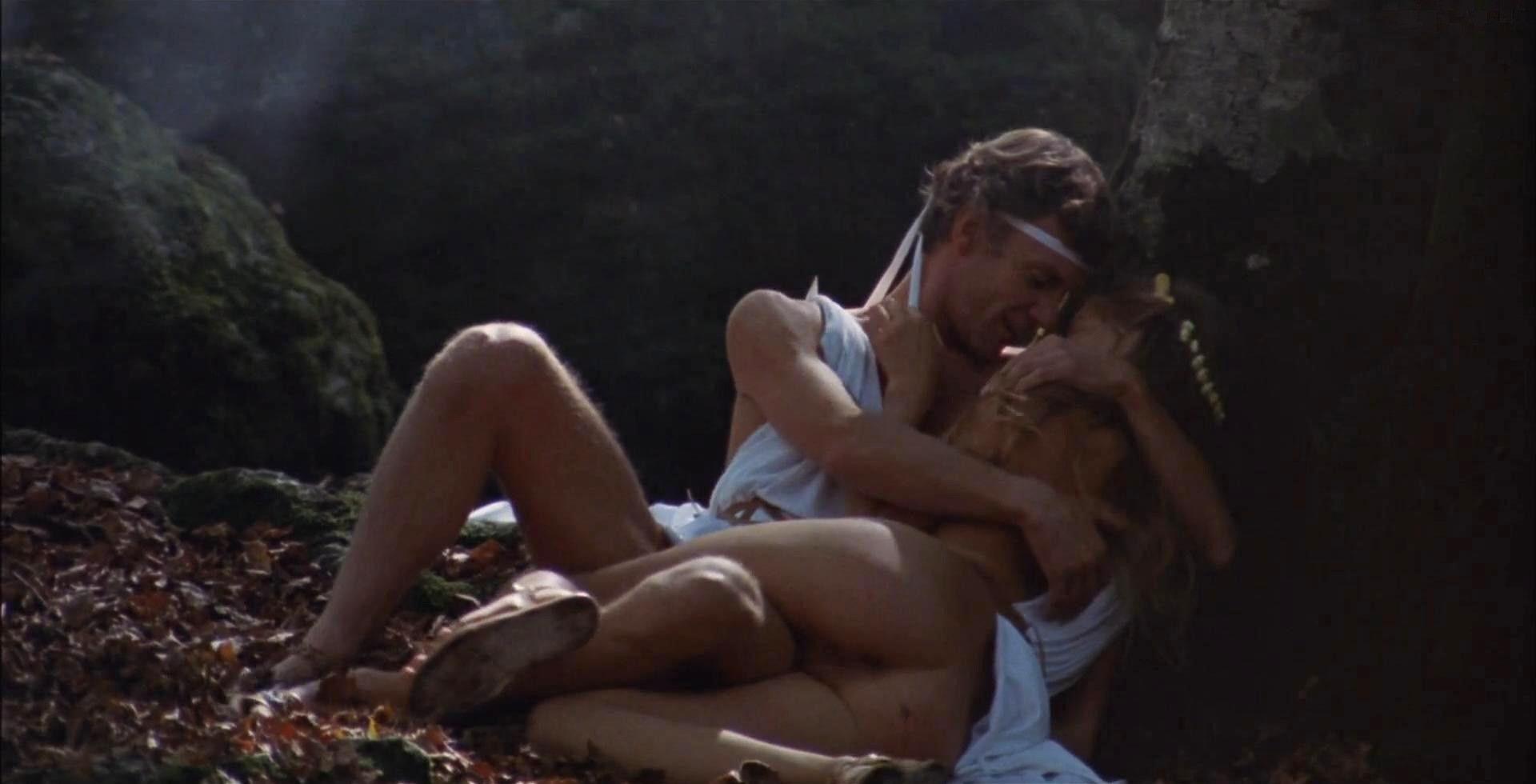 Эротические моменты из фильмов на видеокассетах
