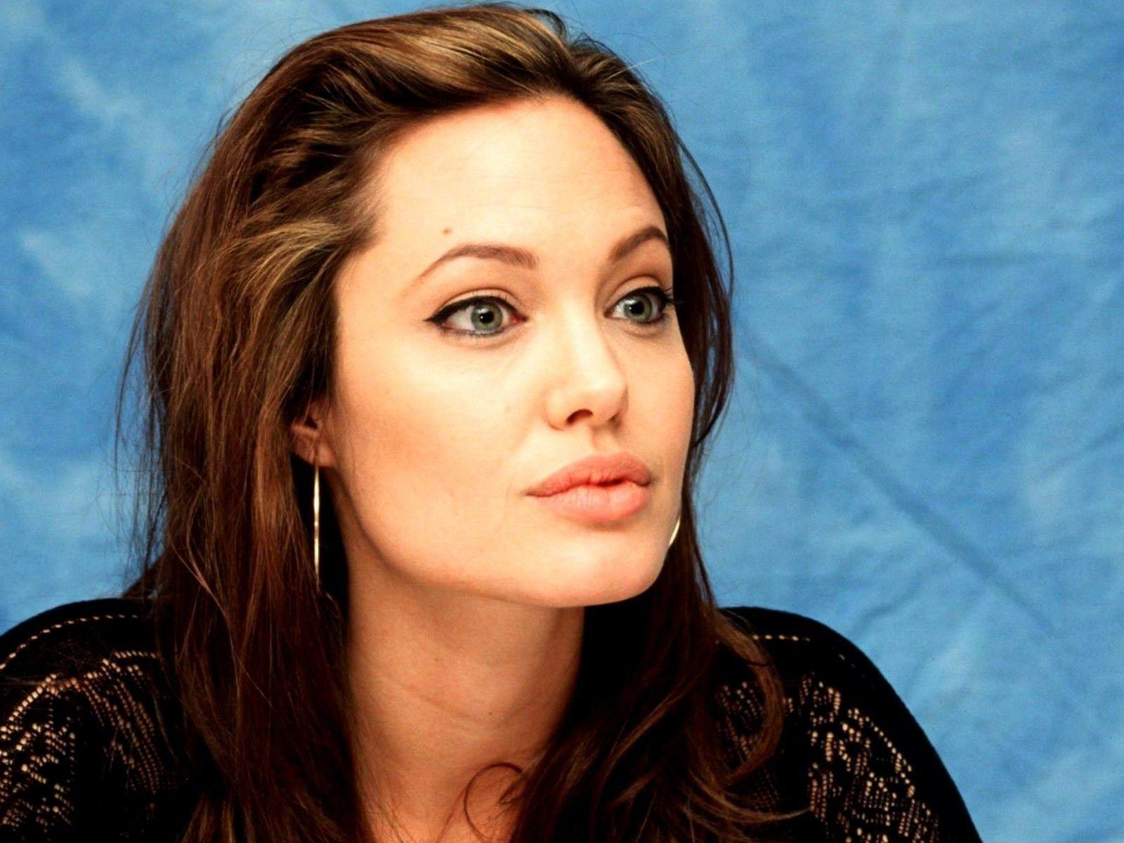 Анджелина Джоли актер