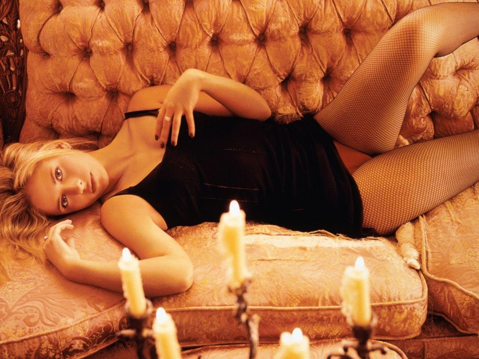 Sarah michelle gellar naked celebrity