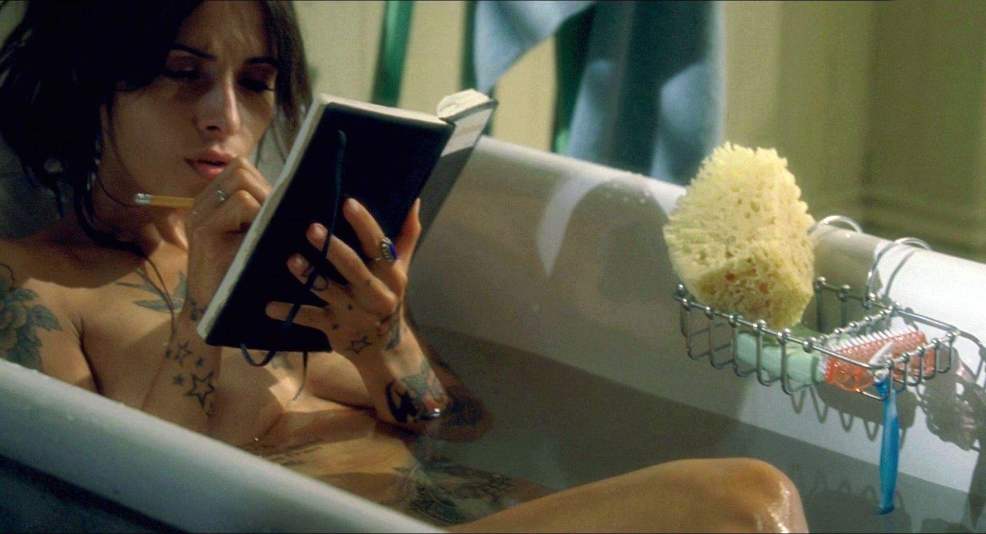 Sarah shahi nude scene