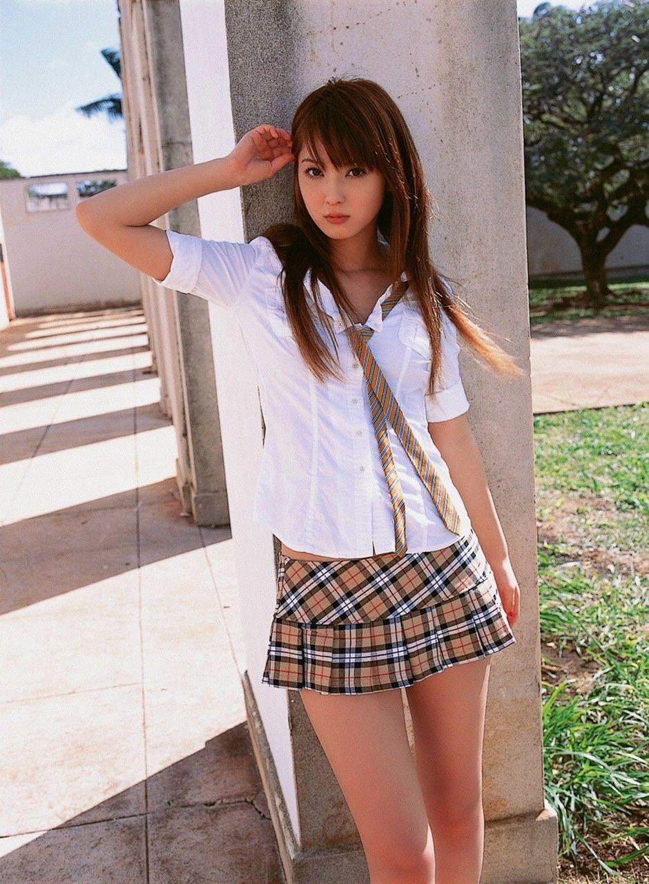 Фото красивых японок под юбками 18 фотография
