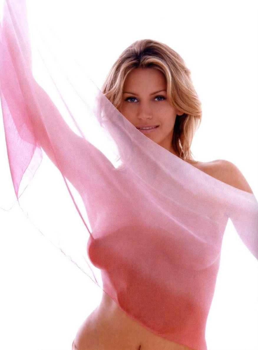 nude pics of natasha henstridge  242422