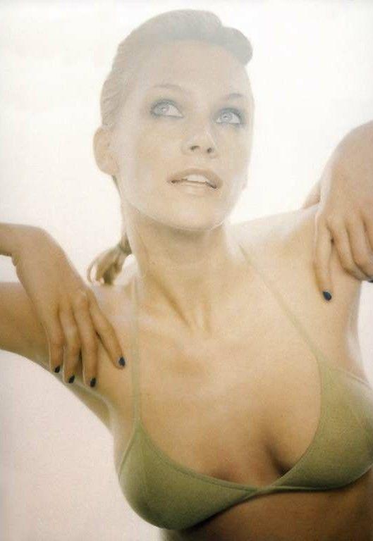 nude pics of natasha henstridge  242514