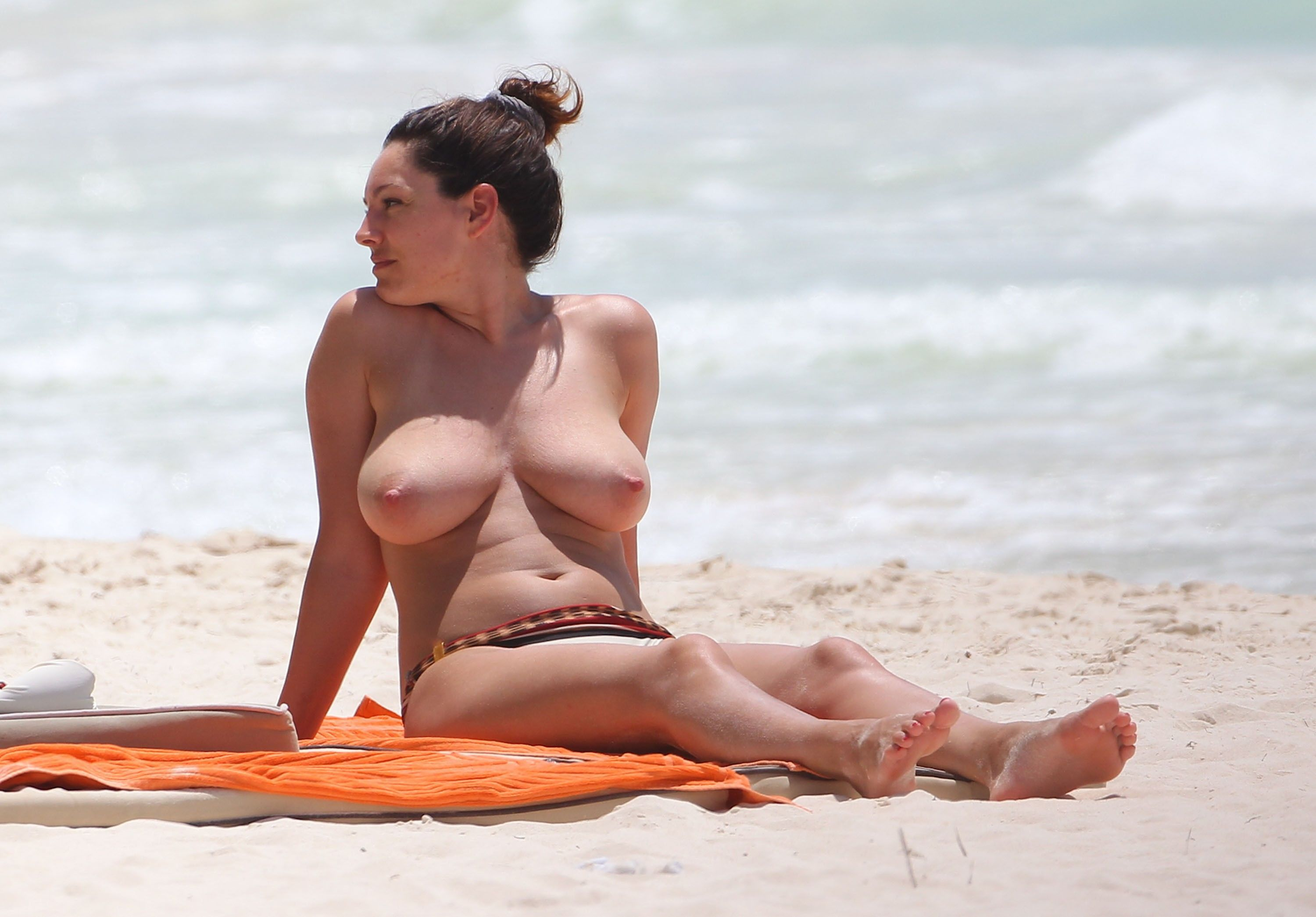 Kelly brook naked porn sex pics in high quality