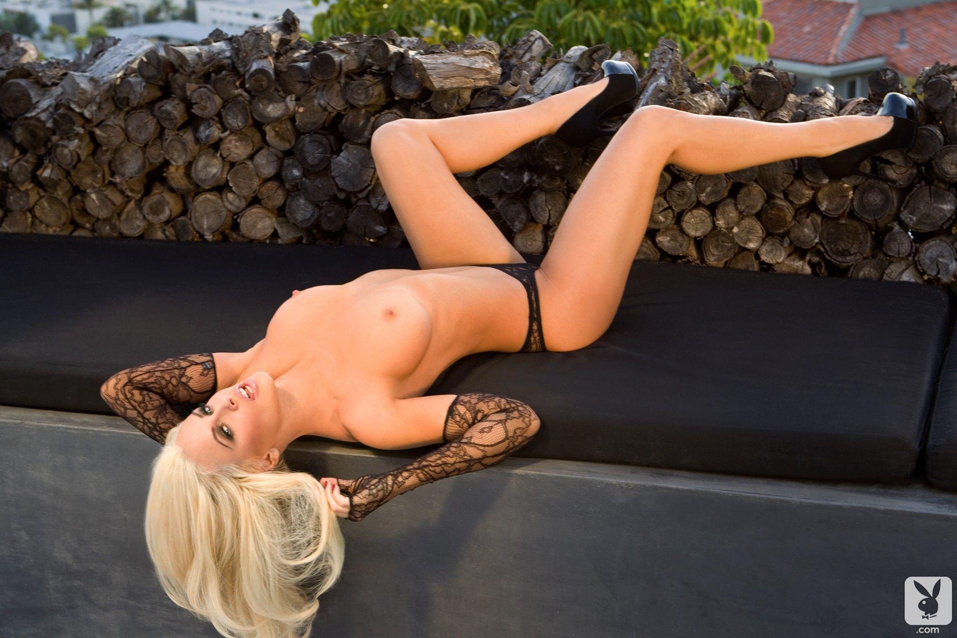 Jenny Mccarthy Nude Bush