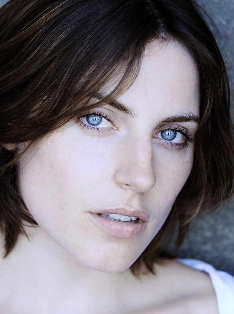 Antje Traue Naked