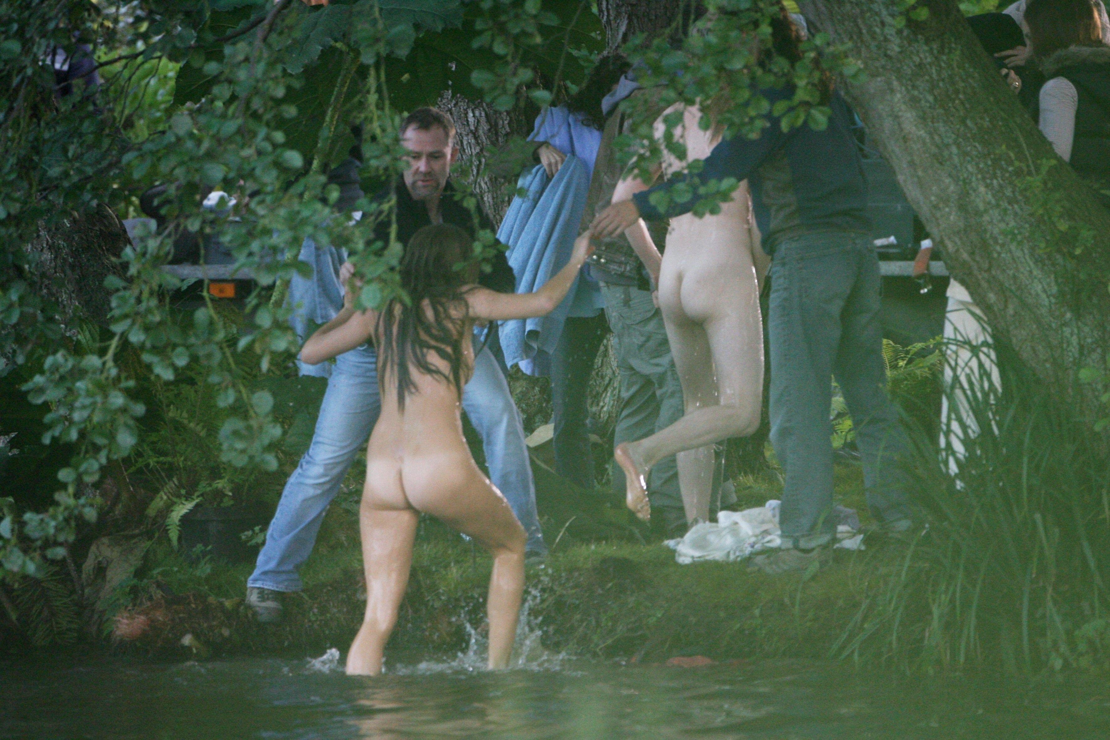 Sienna Miller Topless In Alfie Picture